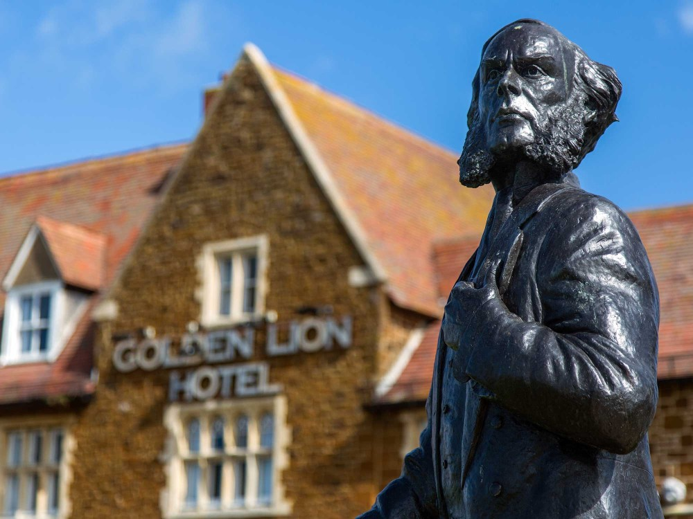 The statue of Henry le Strange in the centre of Hunstanton